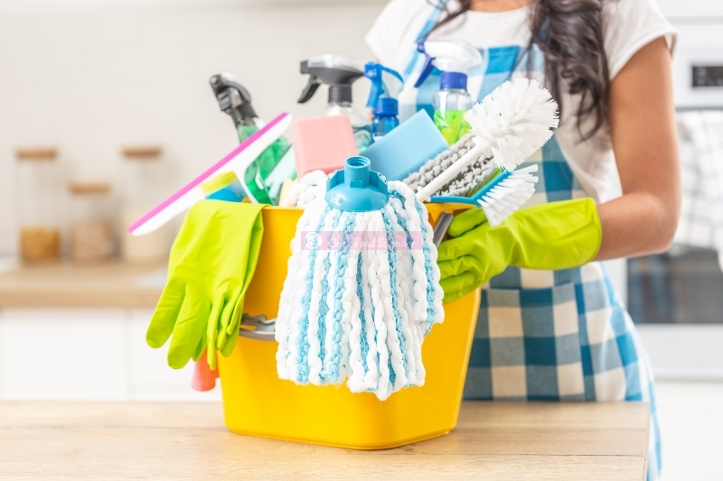 15 Ways to Clean Your Home on a Tight Budget